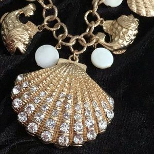 Napier Seashell and pearl necklace